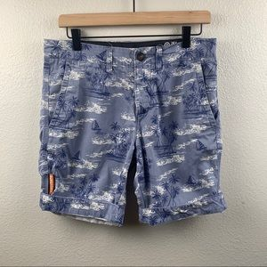 SUPERDRY INTERNATIONAL SHORTS WITH A BEACH PRINT